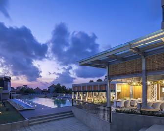 Eastin Ashta Resort Canggu - North Kuta - Gebouw