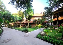 Melasti Beach Resort & Spa - Kuta - Outdoor view