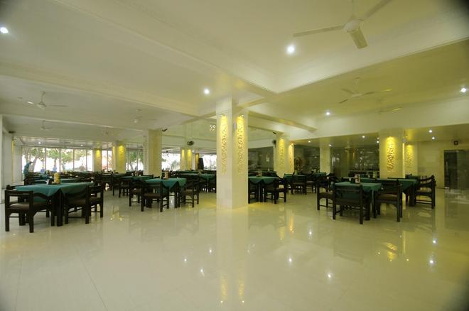 Melasti Beach Resort & Spa - Kuta - Restaurant