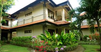 Melasti Beach Resort & Spa - Kuta - Building