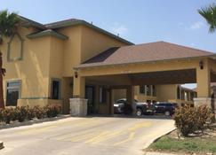Country Hill Inn And Suites - Eagle Pass - Rakennus