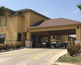 Country Hill Inn and Suites - Eagle Pass - Edificio