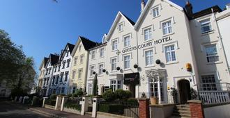 Queens Court Hotel - אקסטר - בניין
