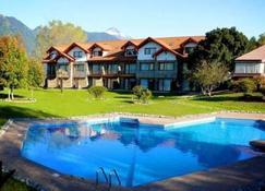 Hotel Pucon Green Park - Pucon - Rakennus