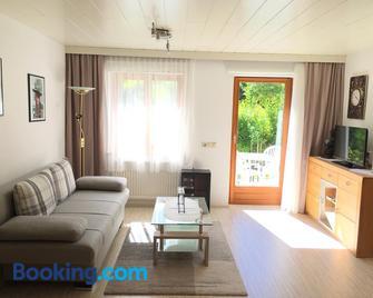 Ferienwohnung Karin - Bludenz - Wohnzimmer
