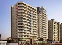 Ramada by Wyndham Beach Hotel Ajman - Ajman - Building