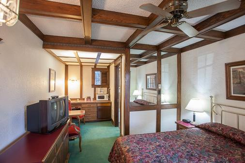 Sequim West Inn - Sequim - Bedroom