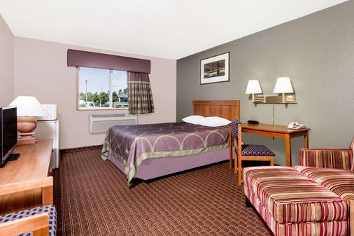 Super 8 by Wyndham Augusta/Ft Gordon Area - Augusta - Bedroom