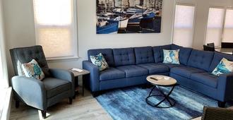 Best Belmont Shore Location, Beach across the street, Alamitos Bay steps away! - Long Beach - Sala