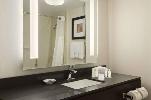 Wingate By Wyndham Los Angeles International Airport Lax - Inglewood - Bathroom