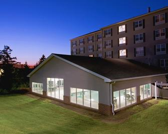 Country Inn & Suites by Radisson, Lancaster, PA - Lancaster - Building
