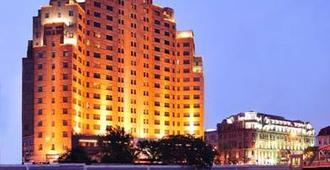 Broadway Mansions Hotel - שנחאי - בניין