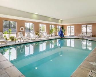 Comfort Suites Forrest City - Forrest City - Pool