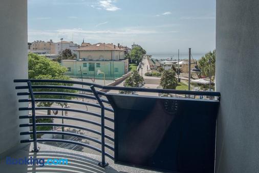 Hotel Sirenetta - Градо - Балкон