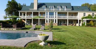 Cedar Spring Inn & Spa - שרלוטסוויל - בניין
