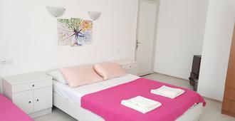 Ayvalik Pansiyon - Ayvalık - Bedroom