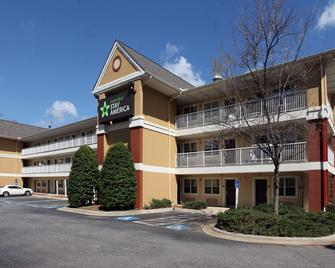 Extended Stay America - Greensboro - Wendover Ave. - Big Tree Way - Грінсборо - Building