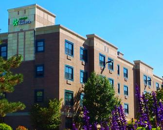 Extended Stay America - Detroit - Dearborn - Dearborn - Building