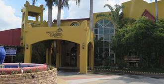 Crown Regency Residence Davao - דבאו - בניין