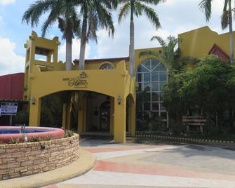 Crown Regency Residence Davao - Davao City - Building