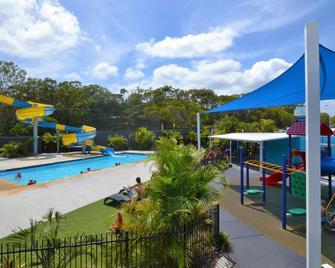 Nobby Beach Holiday Village - Miami - Bazén