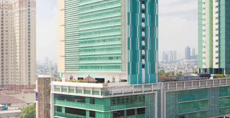 Novotel Jakarta Gajah Mada - West Jakarta - Building
