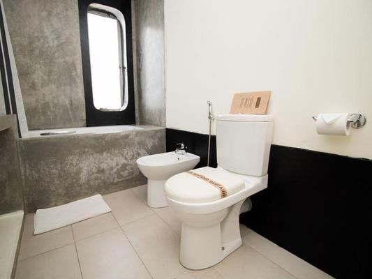 Colombo House by Ceilao Villas - Colombo - Bathroom