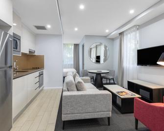 Meriton Suites North Ryde - North Ryde - Obývací pokoj