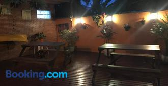 Biergarten Suites - Vila do Abraao - Toà nhà