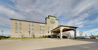 Holiday Inn Express & Suites Edmonton-International Airport - Nisku