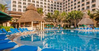 GR 索拉瑞斯坎昆溫泉酒店 - 坎昆 - Cancun/坎康 - 游泳池