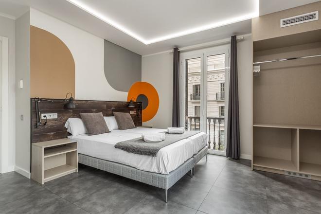 Fontanella Art Rooms - Barcelona - Bedroom