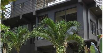 Dayon Hostel - Coron - Edificio