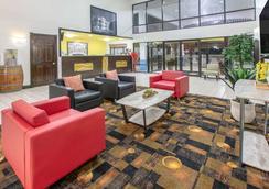 Super 8 by Wyndham Ocean Springs Biloxi - Ocean Springs - Lounge