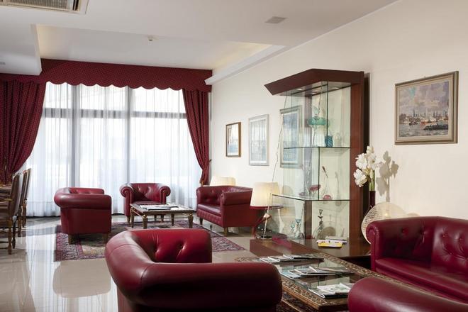 Best Western Titian Inn Hotel Venice Airport - Tessera - Living room