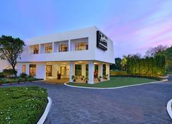 Radisson Jass Hotel Khajuraho - Khajurāho - Building