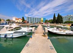 Hotel Kornati - Biograd na Moru - Außenansicht