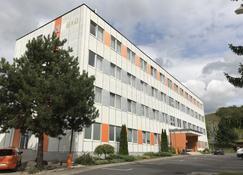Hotel Sad - Banská Bystrica - อาคาร