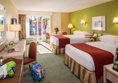 Howard Johnson by Wyndham Anaheim Hotel & Water Playground - Anaheim - Bedroom