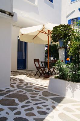 Giannis Hotel Apartments - Adamantas - Patio