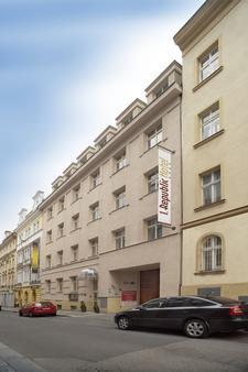 1. Republic Hotel - Prague - Building
