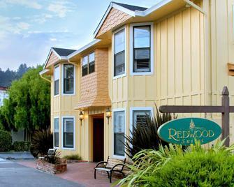 Redwood Suites - Ferndale - Building