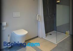 B&B Het Houten Paard - Ypres - Bathroom