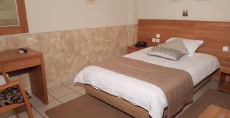 Hotel Ideal - Piraeus - חדר שינה