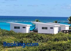 Mika's Resort - Governor's Harbour - Edificio