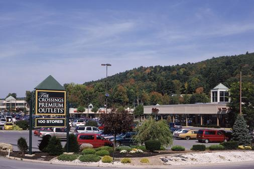 Chateau Resort & Conference Center - Tannersville - Outdoors view