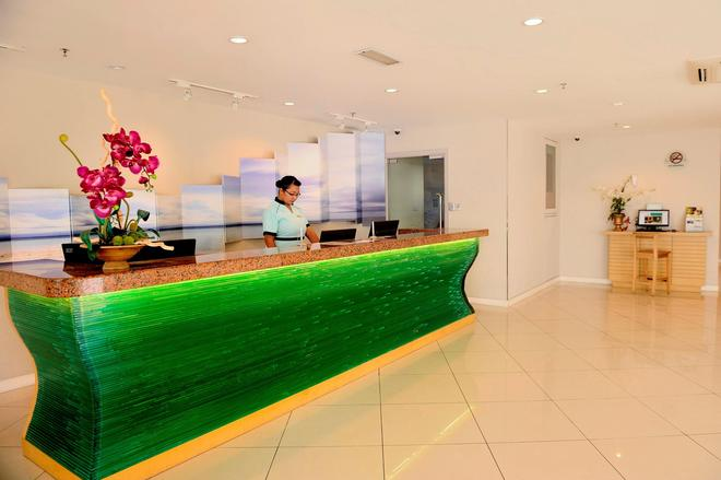 Oceania Hotel - Kota Kinabalu - Front desk