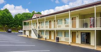 Econo Lodge Lynchburg South - Lynchburg