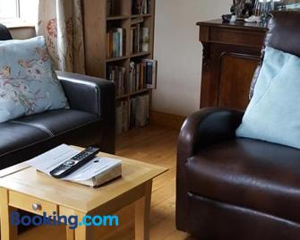 Gormanstown House Apt, The Island - Tullamore - Living room