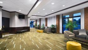 Four Points by Sheraton Richmond Airport - Richmond - Lobby